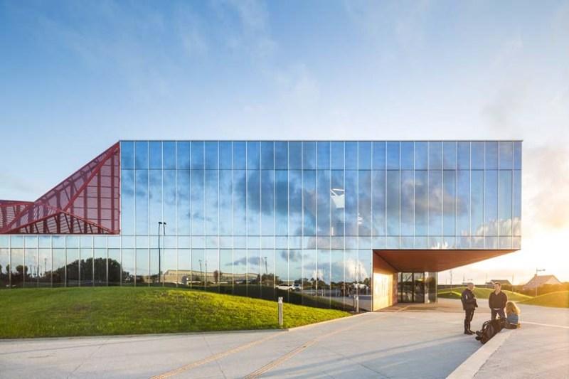 Культурный центр от Périphériques Architectes, Бомон-Аг, Франция.