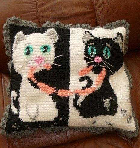 Вязание подушки крючком