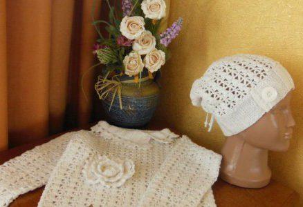 Кофточка и шапочка для девочки
