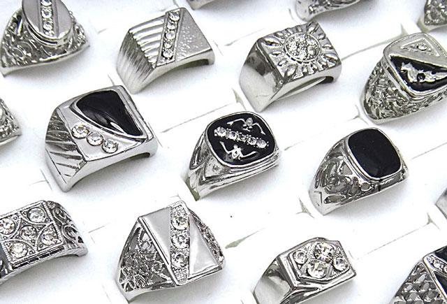 Ювелирные изделия из серебра - драгоценный подарок для бесценного мужчины
