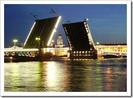 Экскурсии в Санкт-Петербург - разводя мосты, соединяем эпохи.