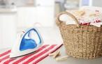 Полезные бытовые мелочи: как удалить катышки с одежды, чем почистить утюг от пригоревшей ткани, клей для одежды без следов