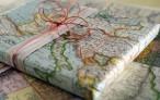 Как повесить карту мира на стену не испортив обои