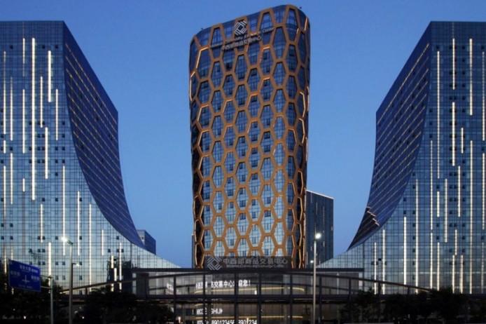 «Сотовый» фасад от  Interdesign и Hugo Kohno