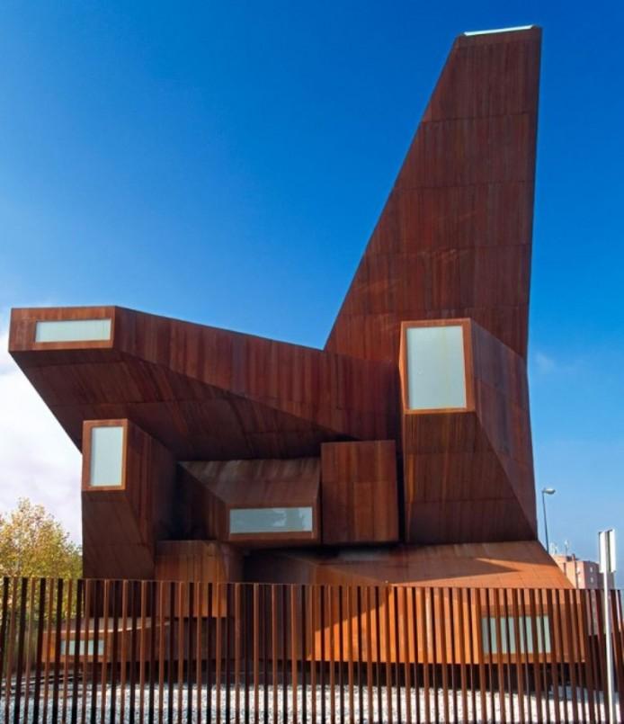 Церковь Санта Моники в Мадриде от Vicens + Ramos