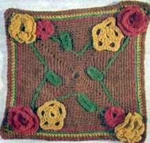 Салфетка, украшенная цветами