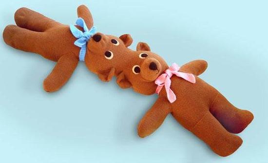 игрушка - сиамские близнецы