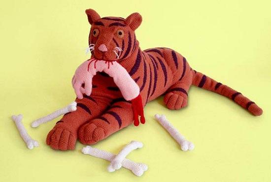 невероятно страшные вязанные игрушки