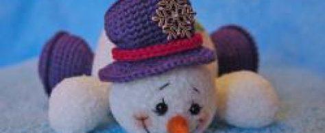 Снеговик вязанный крючком