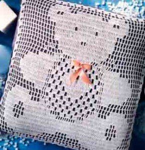 Филейное вязание, подушка Медвежонок