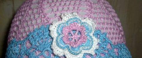 Розовая шляпка для девочки