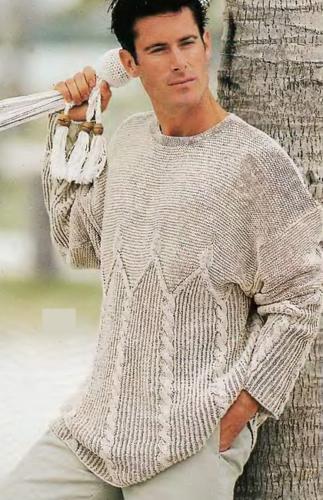 muzhskoj-svetlo-seryj-pulover-vyazanyj-spitsami