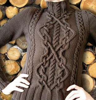 Пуловер с аранами